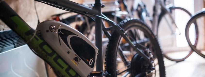 Nach der Akku Reparatur wurde der reparierte Fahrrad Akku wieder eingesetzt