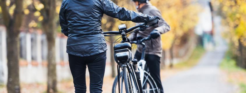 Radfahren mit dem E-Bike in der Natur